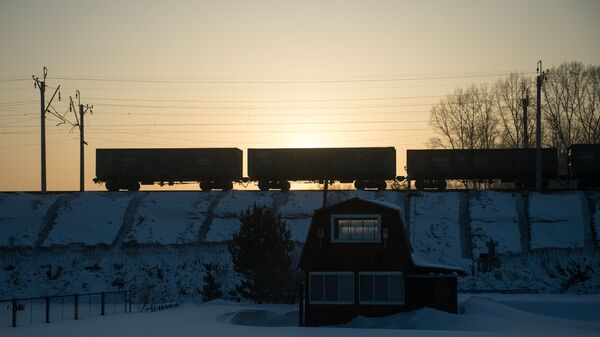 Грузовой поезд. Архивное фото
