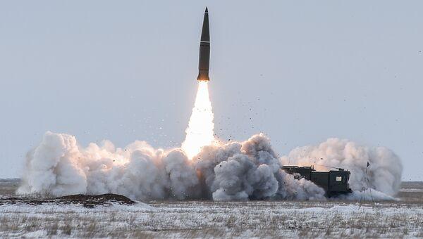 Пуск баллистической ракеты. Архивное фото