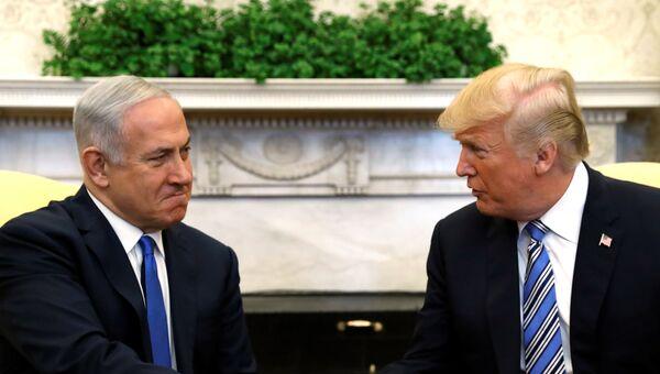 Премьер-министр Израиля Биньямин Нетаньяху с президентом США Дональдом Трампом в Овальном кабинете Белого дома в Вашингтоне, США. 5 марта 2018