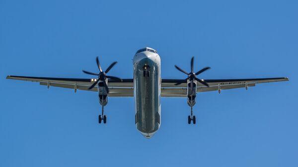 Самолет Dash 8