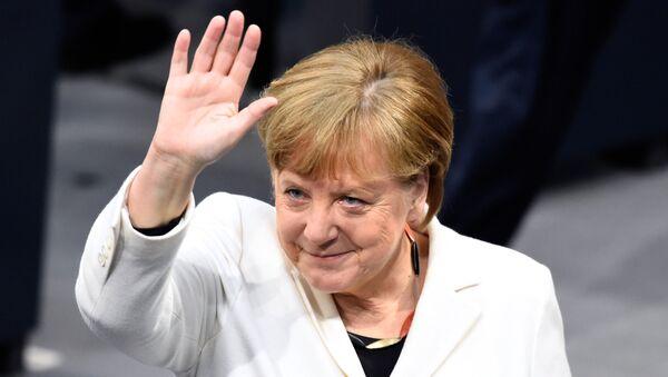 Канцлер Германии Ангела Меркель перед голосованием в Бундестаге