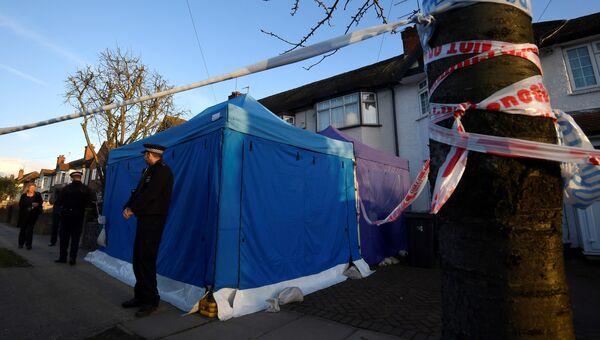Полиция возле дома Николая Глушкова на окраине Лондона. 16 марта 2018