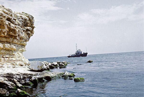 Четверо из 11 российских моряков, бедствующих в Панаме, вылетели домой