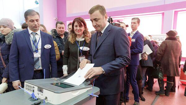 Губернатор Тульской области Алексей Дюмин проголосовал на именном участке Герои России. 18 марта 2018