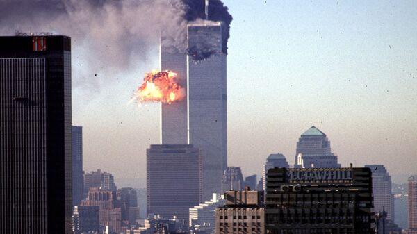 Террористический акт 11 сентября 2001 года в Нью-Йорке. Архивное фото