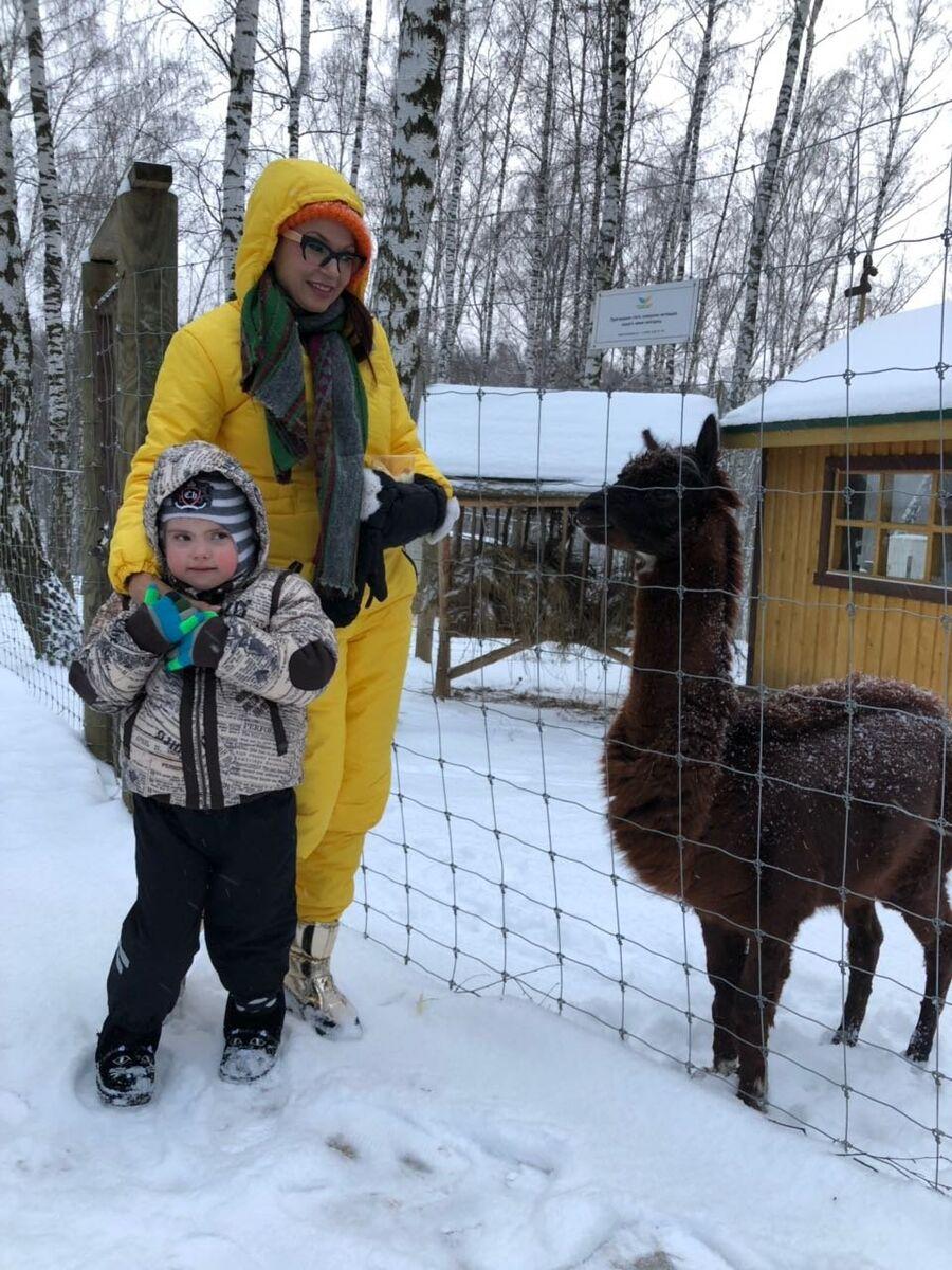 Эвелина Бледанс с сыном Семой
