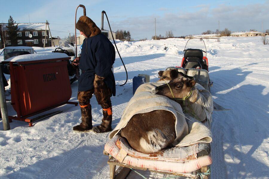 Ненец на автозаправке, Ненецкий автономный округ