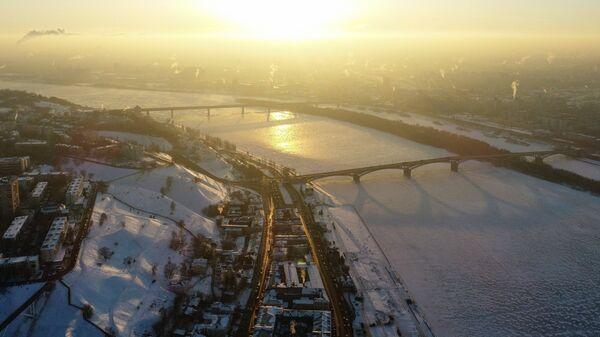 Вид на Нагорную часть и обледеневшую Оку в Нижнем Новгороде