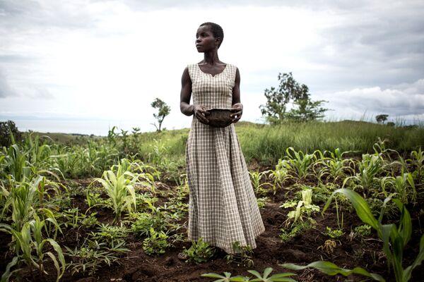 Женщина в лагере для внутренне перемещенных лиц в Кабутунге, Демократическая Республика Конго