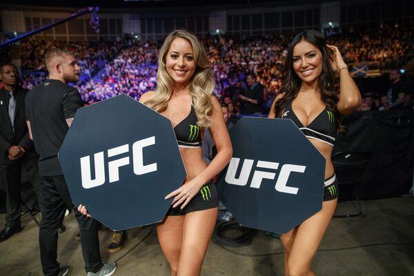 Девушки турнира UFC во время фотосессии в Лондоне