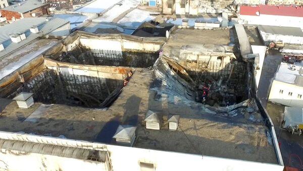 Здание торгового центра Зимняя вишня в Кемерово, где произошел пожар. 26 марта 2018