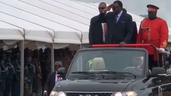 Президент Намибии принял парад на УАЗ «Патриот», оборудованном лестницей