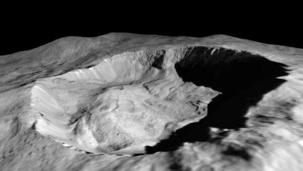 Северный склон кратера Джулинг на Церере