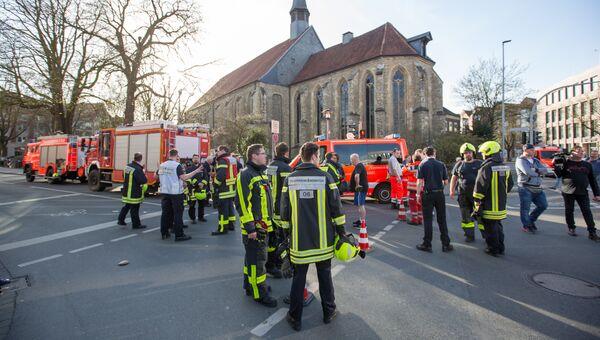 Спасатели в Мюнстере, где автомобиль въехал в толпу людей. 7 апреля 2018