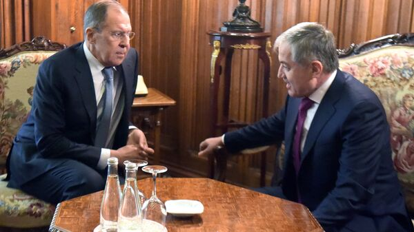 Сергей Лавров  МИД Таджикистана Сироджиддин Аслов во время встречи в Москве. 9 апреля 2018
