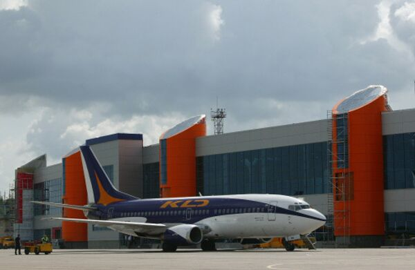 Боинг 737-300 авиакомпании КД авиа в международном аэропорту Храброво