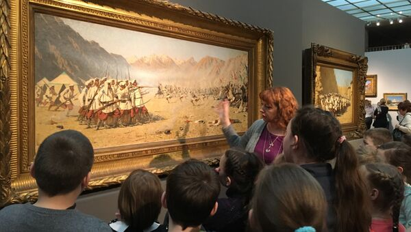 Посетители выставки Василий Верещагин в Третьяковской галерее на Крымском валу