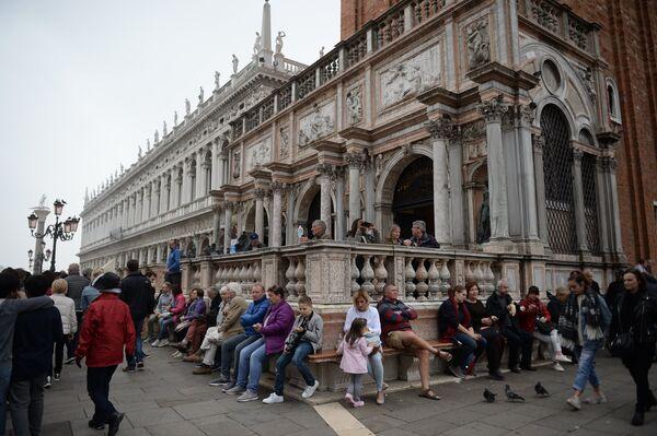 Кампанила собора Святого Марка в Венеции.