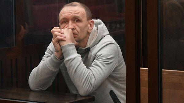 Командир пожарного звена Сергей Генин, обвиняемый в халатных действиях во время тушения пожара в ТЦ Зимняя вишня в Кемерово, в Кемеровском областном суде