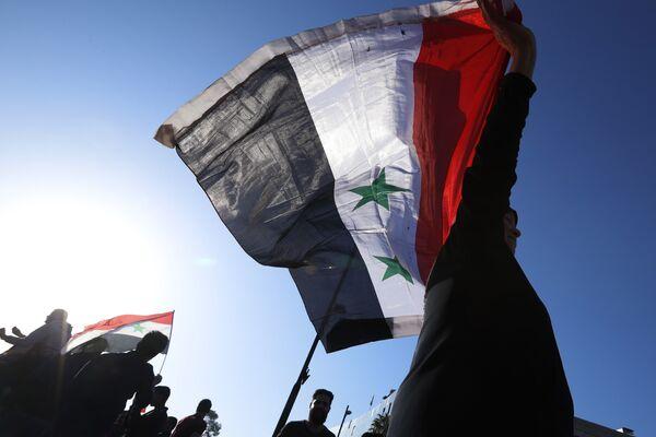 США в обосновании удара обвинил в применении химоружия не только власти Сирии, но и Россию, напомнив инцидент со Скрипалями в Британии.