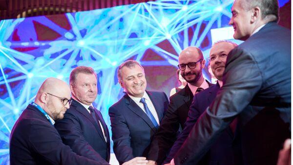 Главной темой ЯМЭФ-2018 стало Будущее мира. Будущее России. Эксперты обсудили развитие цифровой экономики, международное сотрудничество, инвестиции и другие актуальные вопросы.