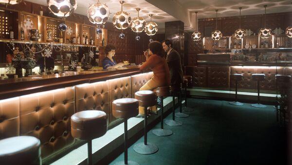 В баре ресторана Кавказ
