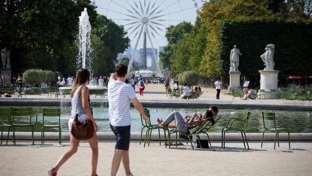 Сад Тюильри в Париже (Франция)
