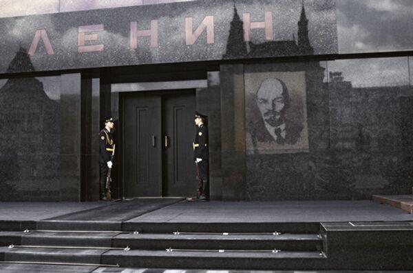 Почетный караул у Мавзолея В.И.Ленина. Архив