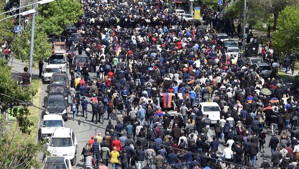 Участники акции протеста в Ереване. Архивное фото