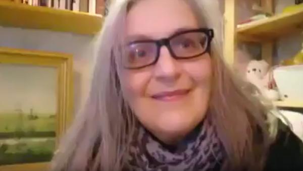 Стоп-кадр видеообращения женщины из Финляндии, зарегистрированной в Twitter под ником Citizen Halo