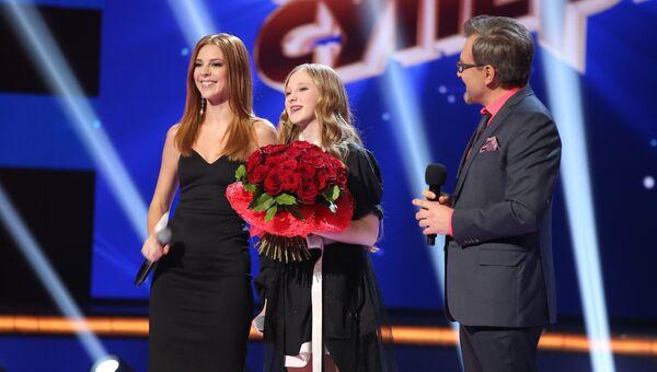 Певица Наталья Подольская и участница конкурса Ты супер! Виктория Трончук