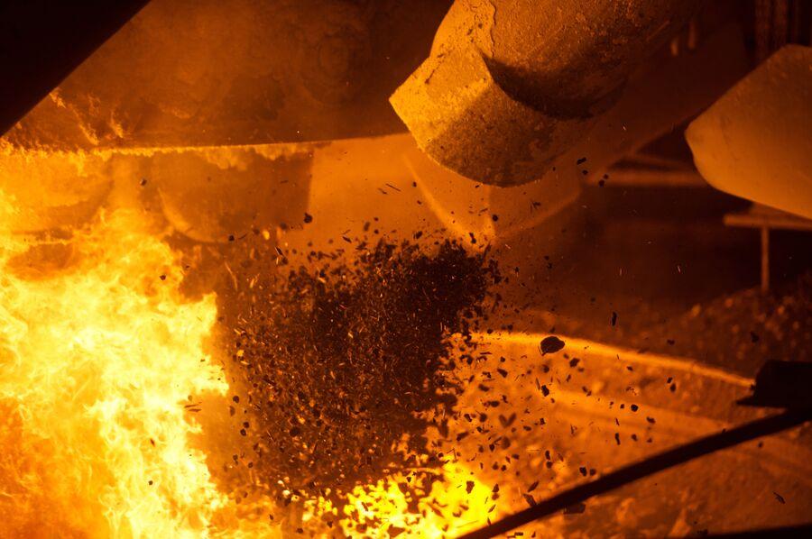 В ферросплавном цехе Новолипецкого металлургического комбината
