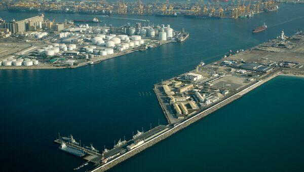 Порт в ОАЭ. Архивное фото