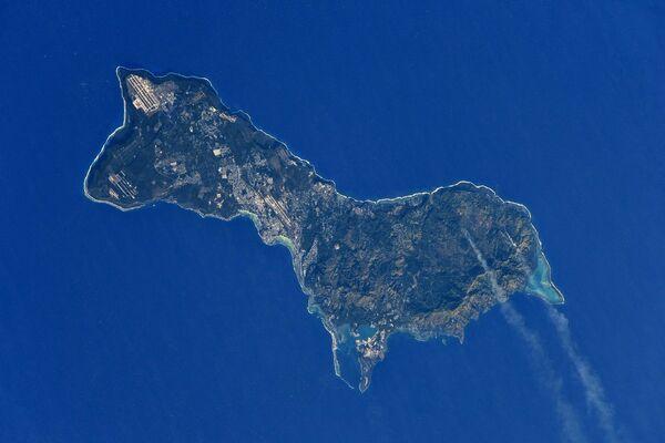 Остров Гуам снятый с борта МКС снятый космонавтом Роскосмоса Антоном Шкаплеровым