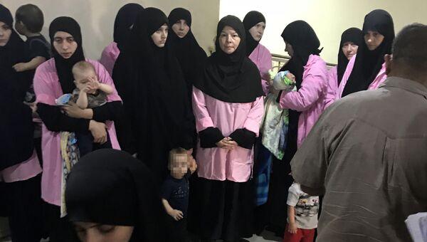 Россиянки, приговоренные к пожизненному заключению, в центральном уголовном суде Багдада, Ирак. 29 апреля 2018