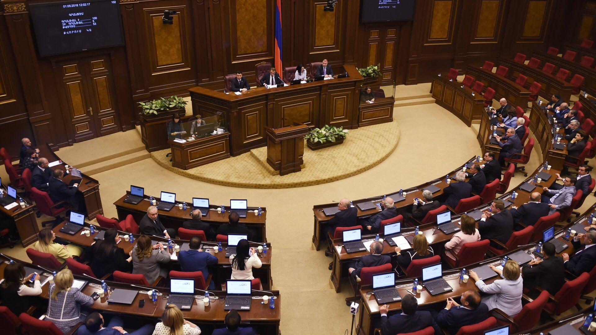 Внеочередное заседание по выборам нового премьер-министра в парламенте Армении. 1 мая 2018 - РИА Новости, 1920, 07.05.2021