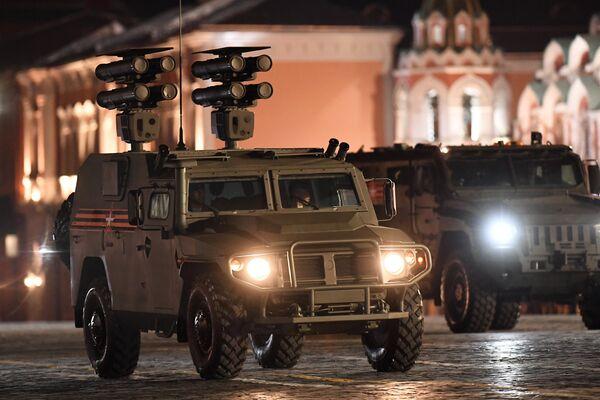 Бронеавтомобиль Тигр с противотанковым ракетным комплексом Корнет-Д на репетиции военного парада на Красной площади, посвященного 73-й годовщине Победы в Великой Отечественной войне