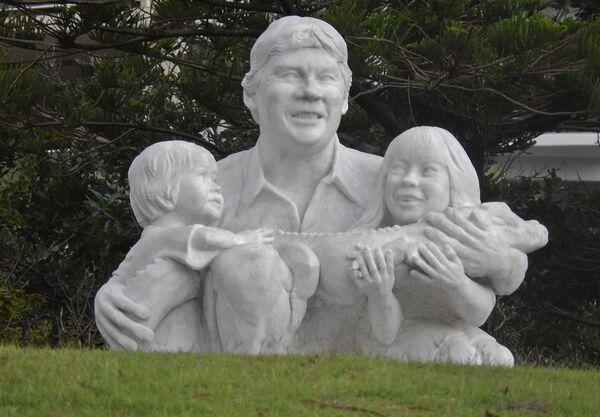 Памятник охотнику на крокодилов Стиву Ирвину в Австралии