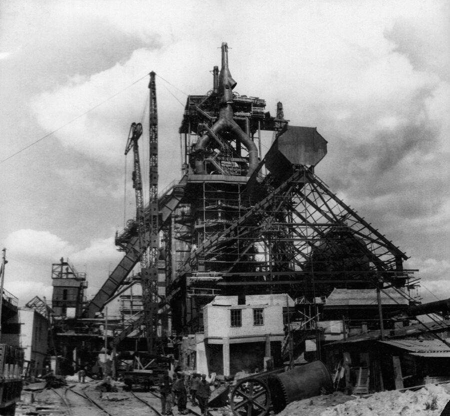 Строительство доменной печи номер 2 Новолипецкого металлургического завода, 1951 год