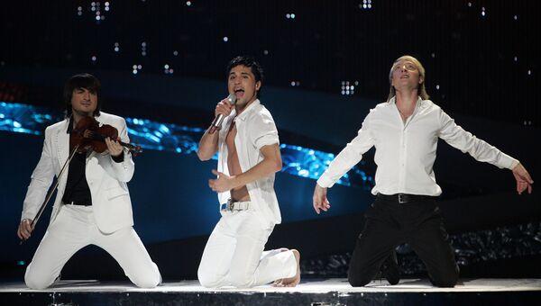 Певец Дима Билан выступает на конкурсе Евровидение-2008