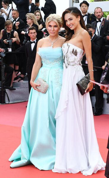 Телеведущая Хофит Голан и актриса Патришия Контрерас (справа) на красной дорожке церемонии открытия 71-го Каннского международного кинофестиваля