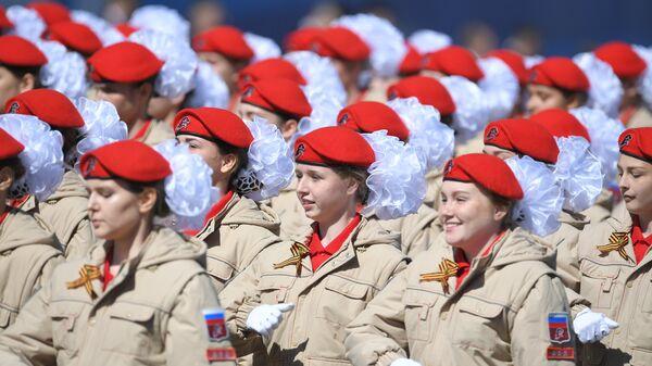 Парадный расчет Юнармии на военном параде, посвященном 73-й годовщине Победы в ВОВ