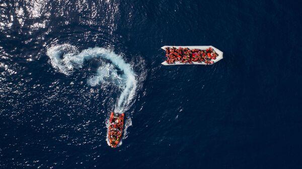Испанская организация Proactiva Open Arms спасает мигрантов и беженцев