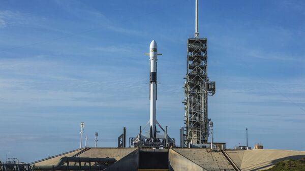 Ракета-носитель Falcon-9 компании SpaceX в Космическом центре Кеннеди на мысе Канаверал в штате Флорида. 10 мая 2018
