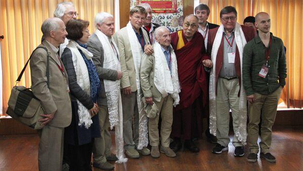 Далай-лама и российские ученые после конференции в Дхарамсале