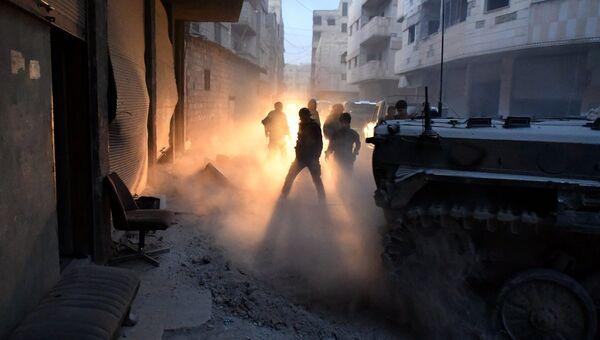 Сирийские военнослужащие в южном пригороде Дамаска. Архивное фото