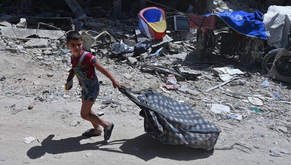 На территории бывшего лагеря палестинских беженцев Ярмук в Сирии. Архивное фото