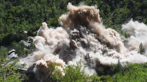Подрыв вспомогательных сооружений на ядерном полигоне Пхунгери на севере КНДР