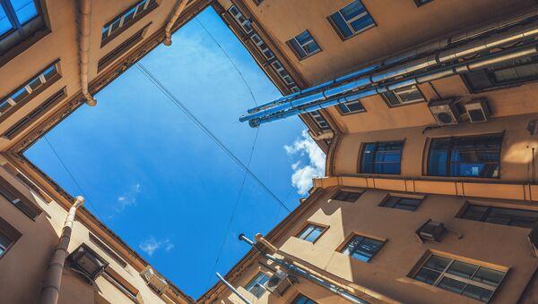 Двор-колодец в Санкт-Петербурге