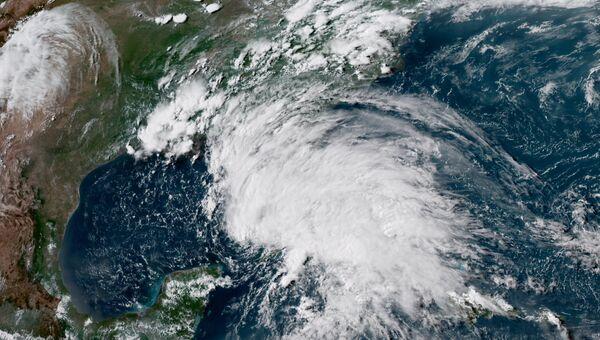 Тропический шторм Альберто из космоса
